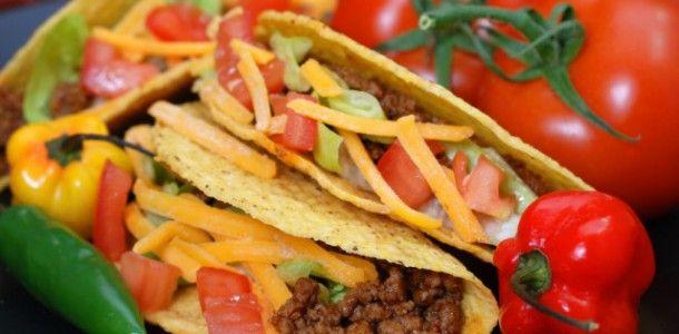 Aca les traemos nuestraReceta de tacos mexicanos. Una deliciosa y crujiente comida mexicana. En esta receta les mostramos como preparar el relleno de carne para 12 o 14 tacos. A continuacion,debajo de la receta le mostramos como hacer la masa para tacos.