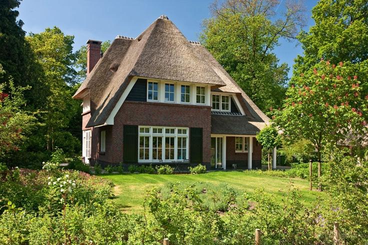 1000 images about villabouw bouwbedrijf lichtenberg on pinterest villas short a and - Overdekt terras tegel ...