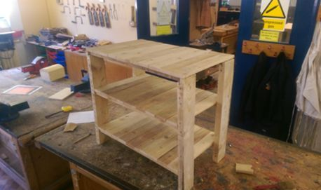 Pallet Storage table