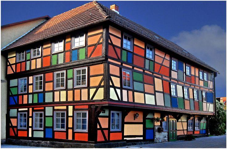 farbenstarkes Fachwerk in Schmalkalden, Germany