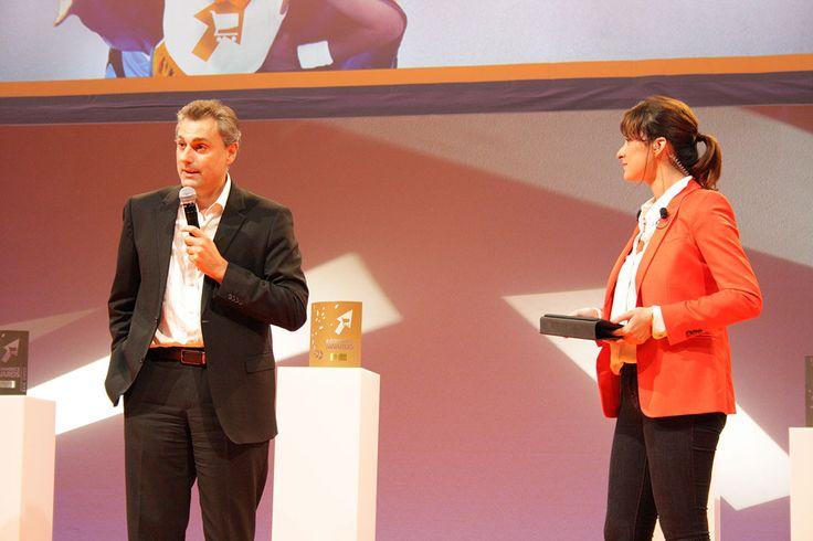 @marjoriepaillon et @YvesTyrodeVSNCF présentant la cérémonie des E-commerce Awards #ECP13 #Awards