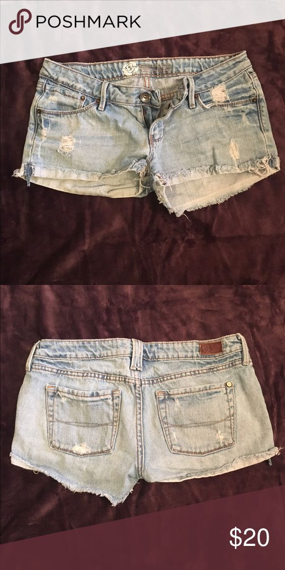 Light blue ripped jean shorts Light blue ripped jean shorts. Size 5 but fits more like a 3/4. 100% smoke free home. Offers accepted! Shorts Jean Shorts