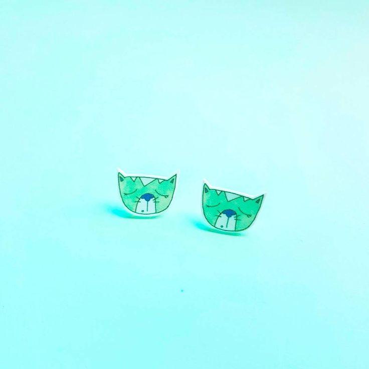 Cute Sleepy Kitten cat earrings in mint