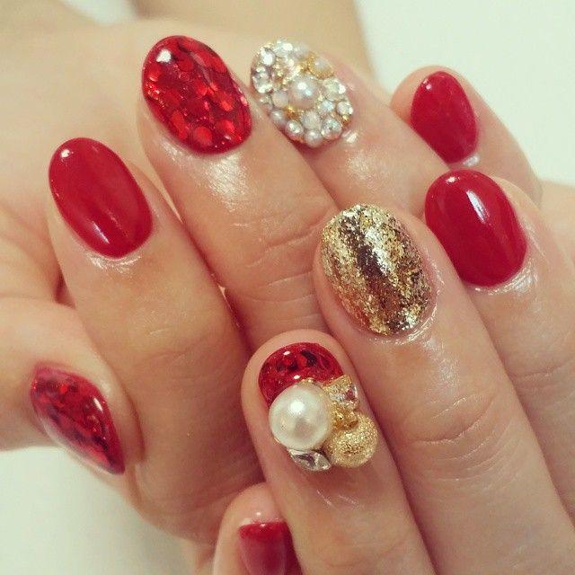 「赤だっていかつくないの。ずきゅんと可愛いぷっくり赤ネイル×◯◯デザイン」に含まれるinstagramの画像|MERY [メリー]