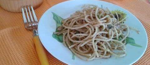 Spaghetti integrali al pangrattato tostato