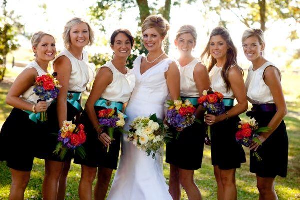 Mariée et les demoiselles d'honneur
