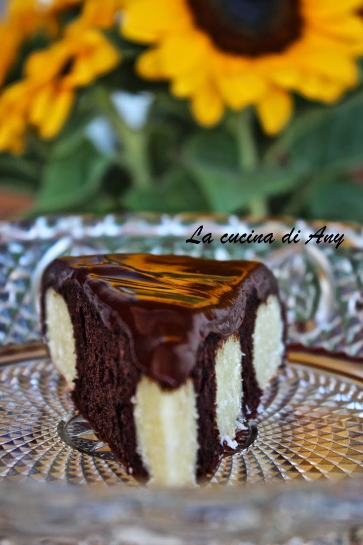 Mai jos reteta in limba romana    Buongiorno cari amici!   Iniziamo la settimana con un dolce al cioccolato, ricotta e cocco, che circo...