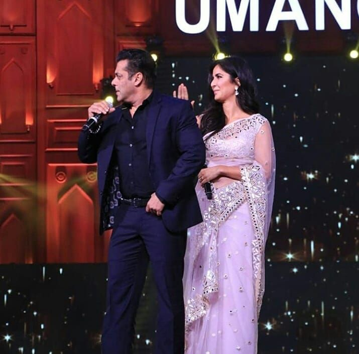 Katrina Kaif And Salman Khan Take Over The Stage During The Star Studded Umang 2020 Hungryboo Katrina Kaif Bollywood Actress Bollywood Gossip