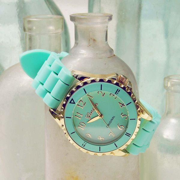 Frosted Mint Watch || love the organized idea of what is holding the watch!!