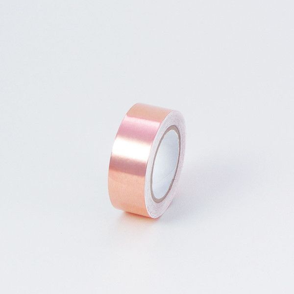 This copper foil tape is perfect for all your decorative needs! 4 metres of 18mm wide adhesive copper tape with removable backing paper. Just peel off protective backing and stick... to paper, bikes,
