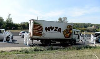 [Photos] 70 decomposed bodies of migrants found in a meat truck in Austria