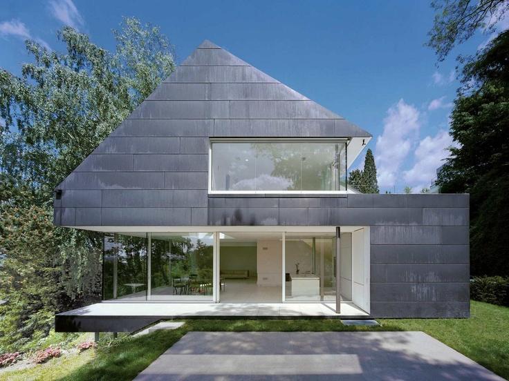 best architects architektur award // Fritsch + Schlüter Architekten / Einfamilienhaus in Seeheim / best architects 13 / Wohnungsbau