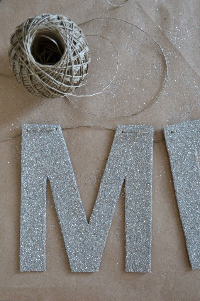DIY glitter letter banner for party garlands, easy to make and effective