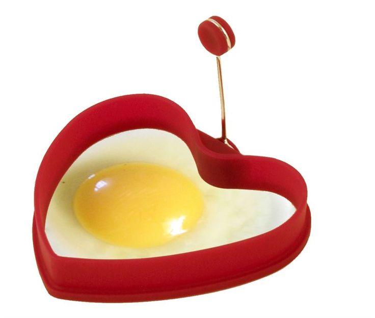 Herkullinen rakkaudentunnustus heti aamupalalla!  http://www.heirol.fi/kananmunan-paistomuotti-punainen-sydan  #ystävänpäivä #aamiainen #kananmuna #sydän # heart #ystävälle #ruoka