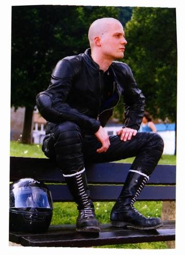 plainfilth:  rubberbound:  Very sexy skinhead biker looking great in his docs. Grr  http://plainfilth.tumblr.com