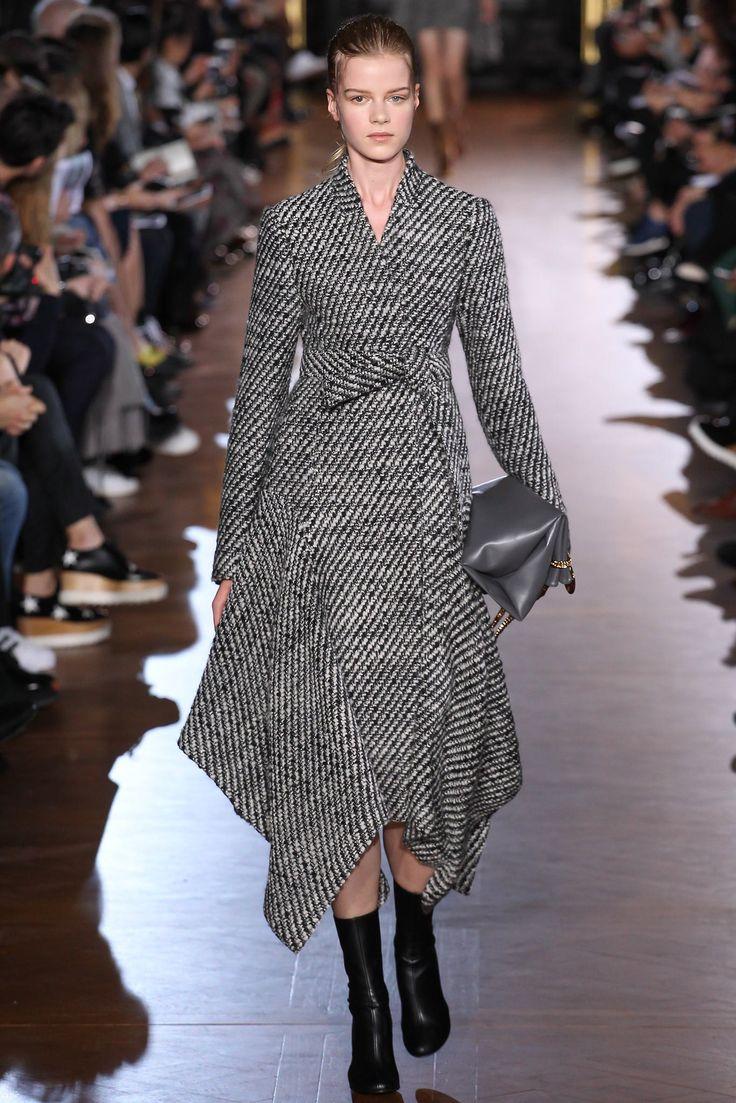 Stella McCartney Fall 2015 Ready-to-Wear Fashion Show - Kadri Vahersalu (PREMIUM)