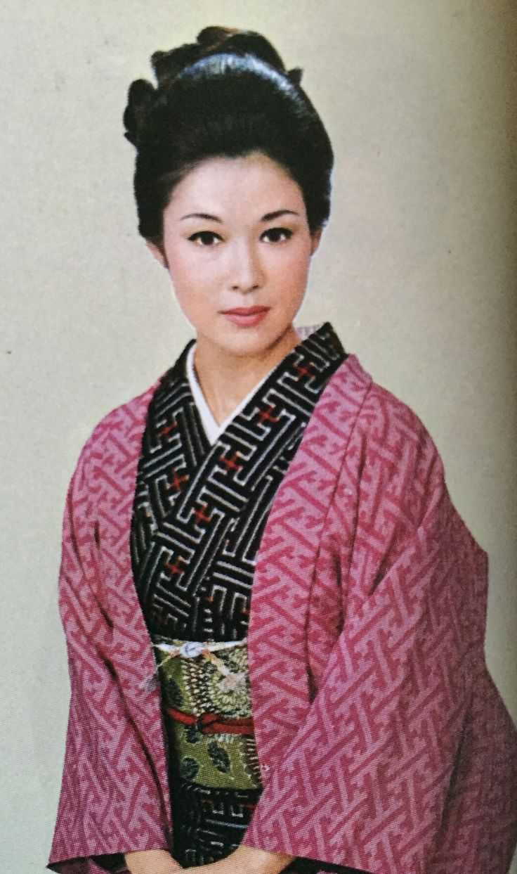 若尾文子 Ayako Wakao(家庭画報より)