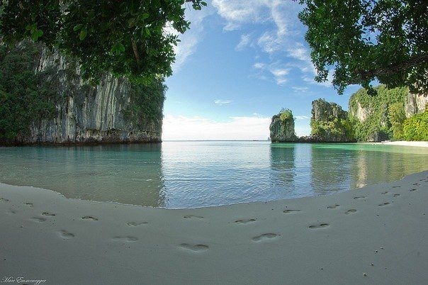 Beach Koh Hong, Krabi, Thailand.