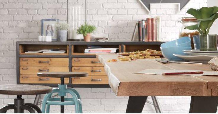 Bord modell MHIAN og stoler fra kolleksjon MALIBU. www.mirame.no #bord #ståbord #høybord #stol #barkrakk #design #interior #interiør  #utemøbler #hus #hjem #mirame #nettbutikk #norsk #industrielldesign #industriell_interior #turkis #hvit #inne #innredning #malibu #mhian #spisebord #spisestue #mango #tre