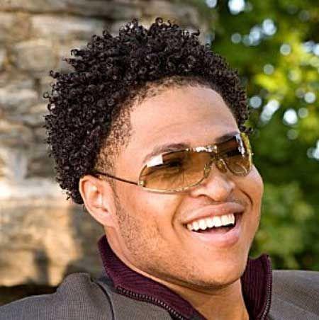 Tipps für richtige Kurzhaarschnitt für Afro Hair Anfahrts: Kurz Frisuren For Afro Hair Strukturiertes ~ frauenfrisur.com Frisuren Inspiration