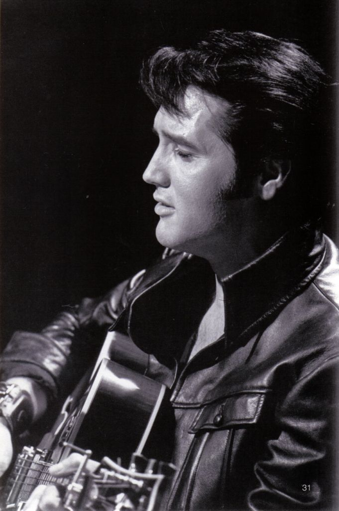 Elvis live june 27 1968 , sit down show   6-p-m and 8 p-m shows Black leather  suit
