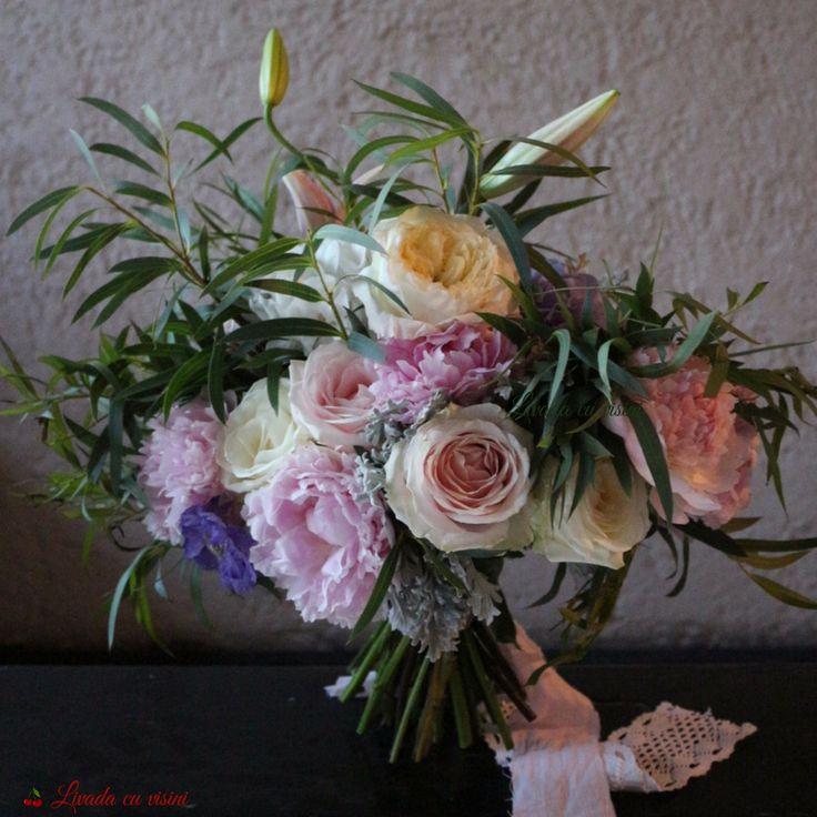 #buchet #nunta #cununie #mireasa #flori #bujori #trandafiri #davidaustin #davidaustinroses #patience #roses #scent #scentofawomen #bride #bouquet #madewithjoy #paulamoldovan #livadacuvisini #wedding #flowers #weddingflowers #idoflowers #shesaydyes #sayitwithflowers #peonies #peony #scabiosa #eucalipt #eucaliptus #lilyes #crini #handtied #elegant