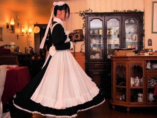 池袋のメイド喫茶「ワンダーパーラーカフェ」のロングメイド服が大反響!ロングメイドの時代きたと話題に