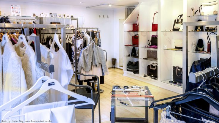 Laoni la Store - clothes, bags and accessories   http://www.budapestwithus.hu/laoni