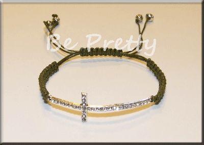 PL0063 - Pulseira em fio de algodão verde com cruz em metal e strass.