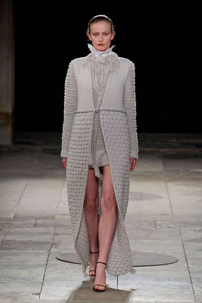 Mode à Paris FW 2014/15 – Allude. See all fashion show on: http://www.bmmag.it/sfilate/mode-paris-fw-201415-allude/ #fall #winter #FW #catwalk #fashionshow #womansfashion #woman #fashion #style #look #collection #modeaparis #allude