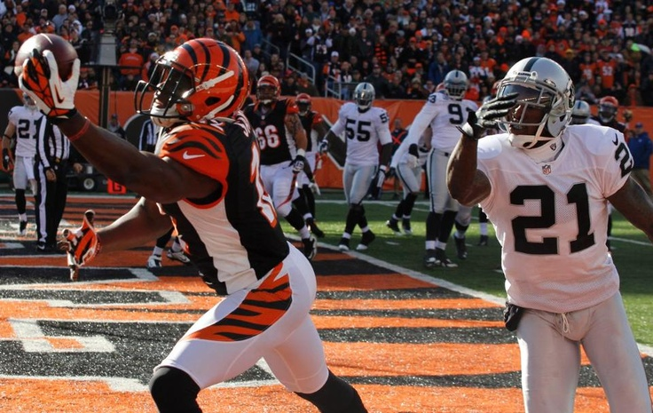 One-handed touchdown by Sanu...