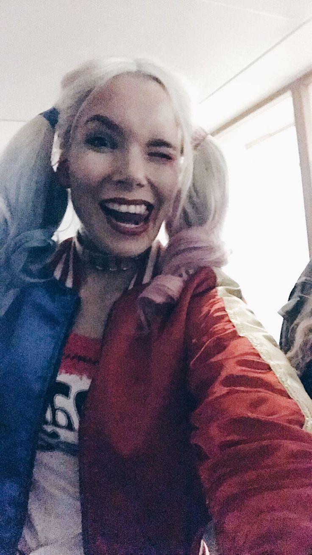Hello guys! I hope you had a nice Halloween!🎃 I had a lot of fun dressing up as Harley Quinn!
