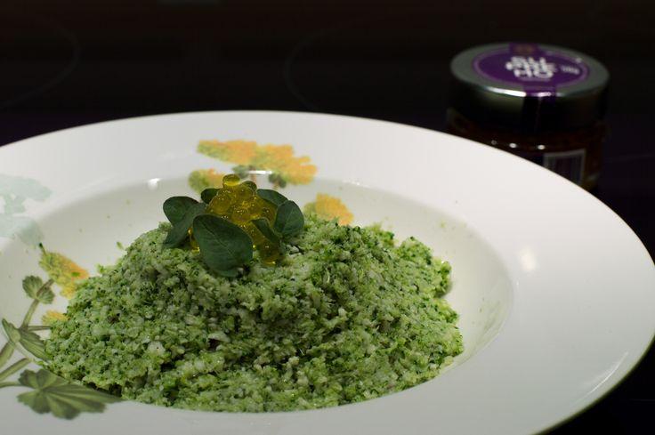 "Marcos Reguera del catering Cerro Puerta nos trae este espectacular Cuscús vegetal ""Rodrigo de la Calle"" con Caviar de AOVE Supremo. Podéis leer la receta en: http://marcosreguera.com/2015/06/19/cuscus-vegetal-rodrigo-de-la-calle/"