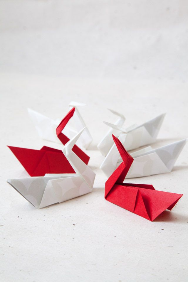 簡単♪和モダンなテーブルに合う 折り紙で作る鶴の箸置き
