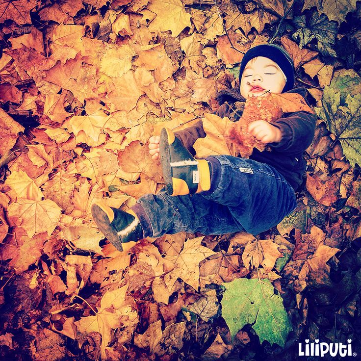 Autumn leaves #liliputistyle #softleatherbabybooties #babyboots