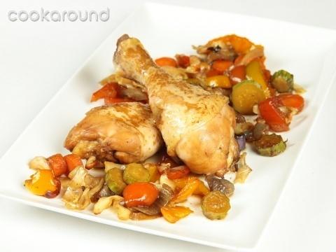 Cosce di pollo con verdure al forno: Ricette di Cookaround | Cookaround