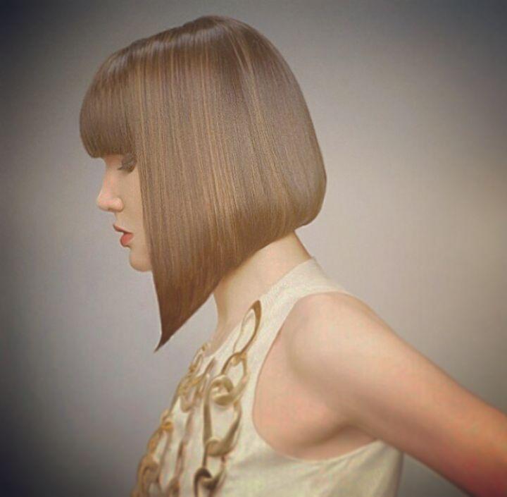 #classicbob #aline #bob #bangs #fullbangs #hairstyle #modern #new #haircut #bobhaircut #bobwithbangs #bangs #cutemodel #artist #nicehairstyle #cool #love #awesome #redlips #shorterback #hairsalon #hairstylist #change #newhair #inspiration