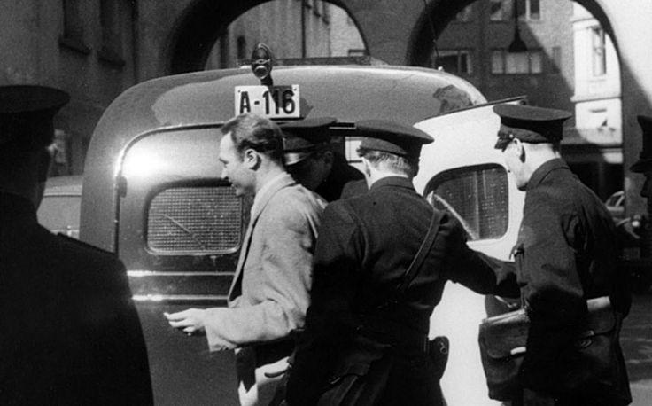 Oslo 1947. Siegfried Fehmer, SS  Hauptsturmführer and Kriminalrat Abteilung IV SiPo/Sicherheitsdienst (Gestapo chief Oslo) escorted out of Lagmannretten (courthouse). Executed 16. March 1948.