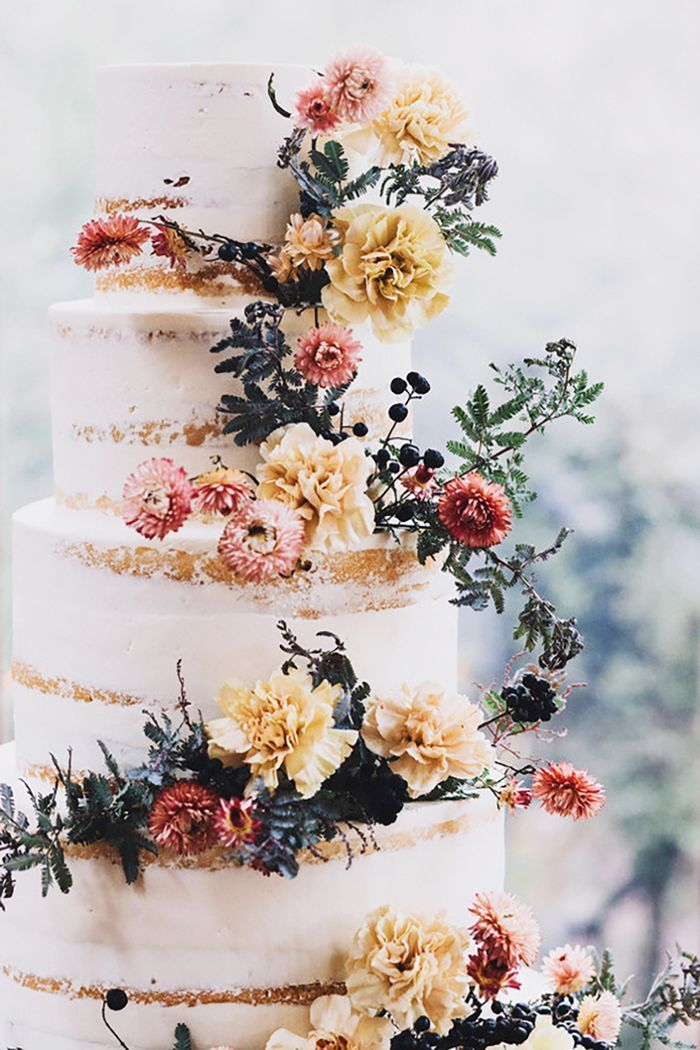"""Saying """"I do"""" this autumn? A wedding expert weighs in on 12 fall wedding ideas we're currently coveting."""