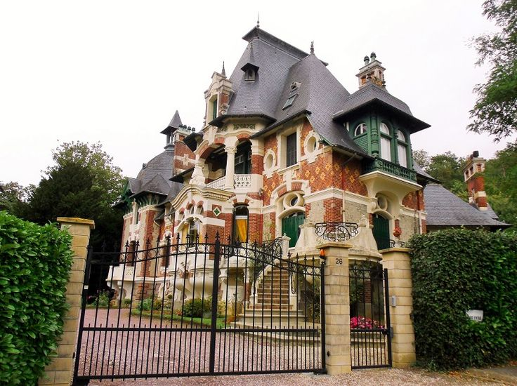 Ugly beautiful in Dives-sur-Mer http://www.normandythenandnow.com/ugly-beautiful-in-dives-sur-mer/ architecture, dives-sur-mer, normandy, france, calvados, sister to villa strassburger!