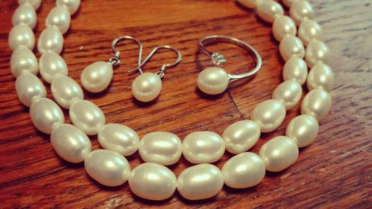 Handgemaakt zilver, parels sieradenset. Zilveren parelketting, armband, ring, oorbellen. Ring met kristallen steentje. Bruid bruiloft feest. door BonesArtisan op Etsy