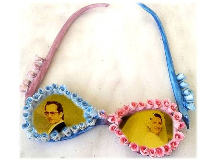 Glasses as Photo-frame? Why not?!!  Porcelain.