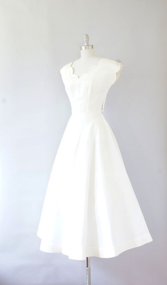 Simple wedding dress \\ 1940s dress / vintage 40s wedding dress / Ivory by Coralroot, $62.00