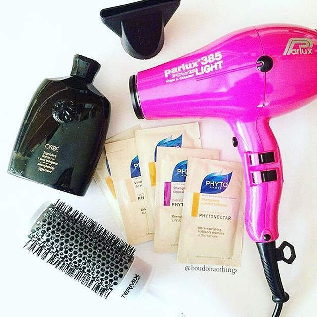 Grazie a @boudoiraothings per aver aggiunto il nostro #parlux 385 al suo kit per #capelli perfetti!  #parlux385 #parrucchiere #hairspray #instahair #style #phon #asciugacapelli #hairdryer #secador #colours #colors #italy #madeinitaly #instafollow #instagood #colori #pink #hairdressers #parrucchierando