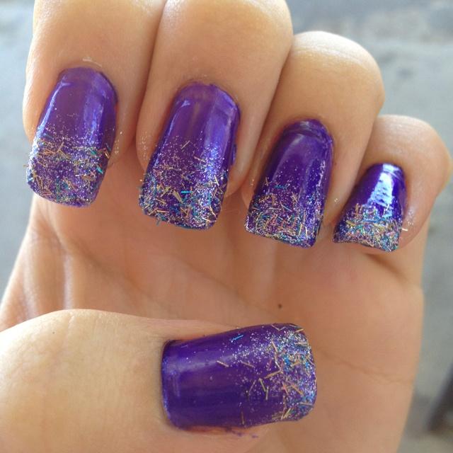 Purple gradient nails!