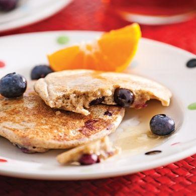 Pancakes aux bleuets sans gluten - Recettes - Cuisine et nutrition - Pratico Pratique
