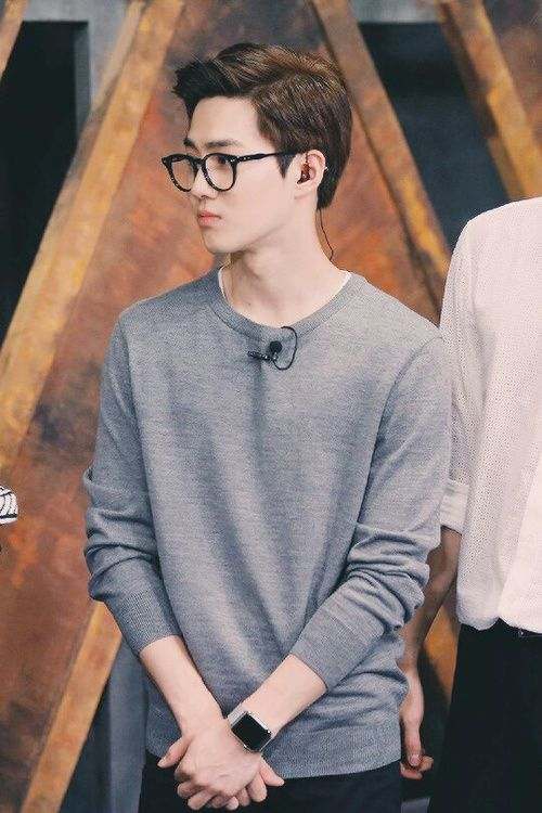 """suho - I like seeing them in casual, every day clothes, glasses.. just being real guys... I don't care for """"fashion""""... (Unless it's a fine suit, then shit is on...)"""