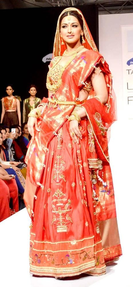 Sonali Bendre on the ramp at the Lakme Fashion Week 2013. the maratha bride. luv it.