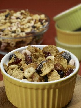 Who doesn't love a good snack? We heart this Take-a-Break Snack Mix.
