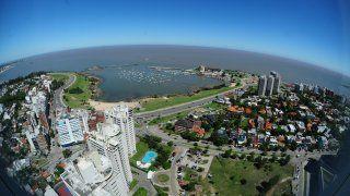 Garages, los techitos verdes y Puerto de Buceo: las obras que impulsa la IMM